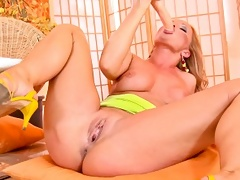 Silvia Saint massages her juicy pussy with her big dildo